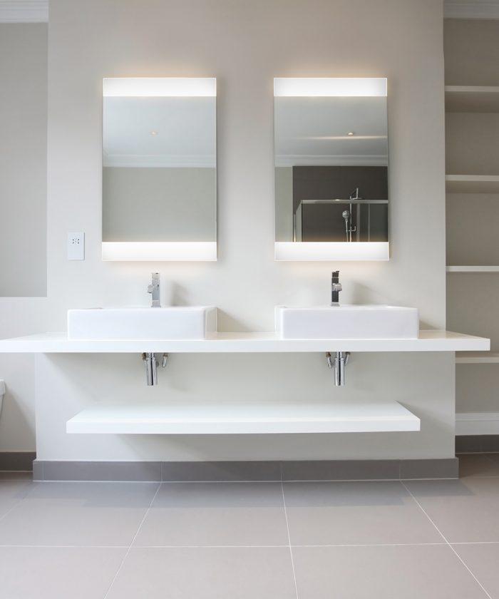 Nuria-4 LED Lighted Mirror